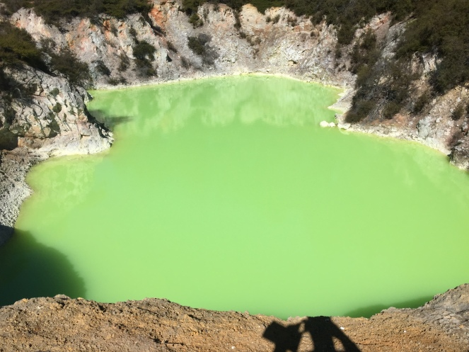 The Devil's Bath, Wai-O-Tapu geothermal park